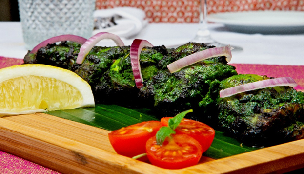 Traditional dishes but also ultra-modern Indian cuisine. This is what you'll find on the menu at Tilk.