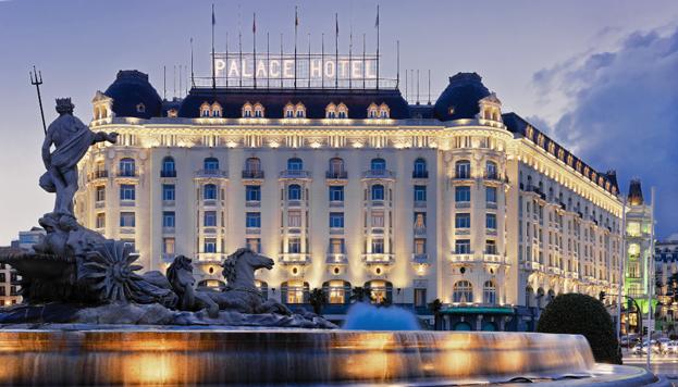 Fachada del Hotel Palace.