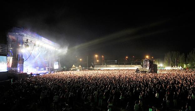 Buen ambiente y buena música en DCODE Festival