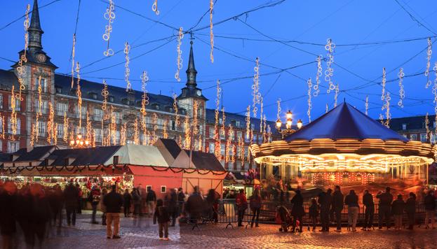 De compras navideñas en el Mercadillo de la Plaza Mayor (©Paolo Giocoso, MD)