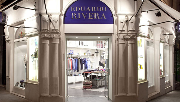 Eduardo Rivera es cien por cien producto madrileño. Tanto como sus prendas.