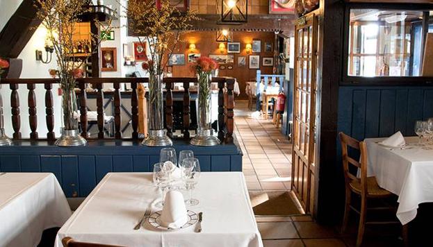 El restaurante Alkalde, en la calle de Jorge Juan, celebra su 50º aniversario.