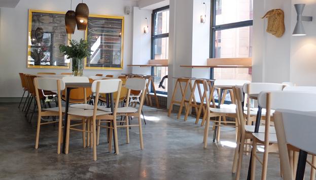 En el Café Federal puedes desayunar-comer a cualquier hora de la mañana.