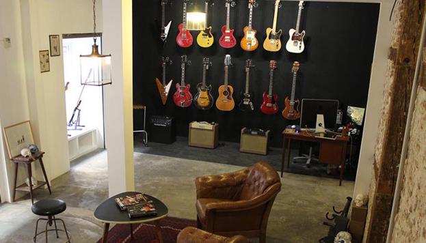 Headbanger, una nueva y sorprendente tienda de guitarras en la calle de la Palma