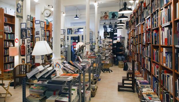 Un lugar imprescindible para los amantes del cine: la librería Ocho y Medio