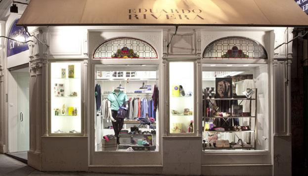 En las tiendas de Eduardo Rivera puedes encontrar moda, libros, perfumes y calzado
