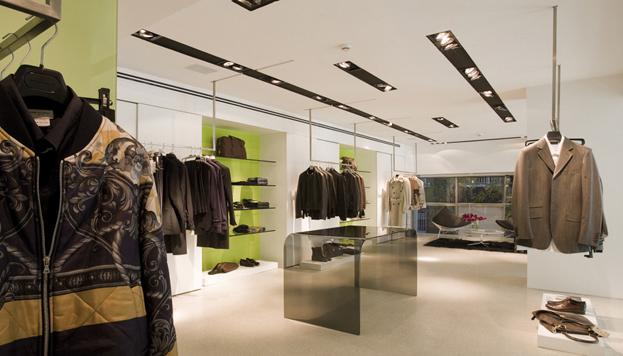 Gallery es un auténtico templo, con una selección imprescindible de firmas de moda masculina.