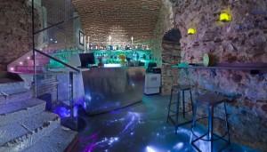 Las Cuevas de Sandó está instalado en unas cuevas originales del siglo XVI.