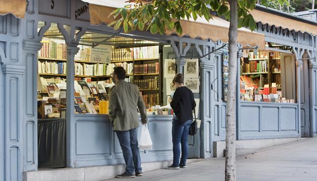 En la Cuesta de Moyano siempre se puede encontrar alguna joya literaria (©José Barea, MD).