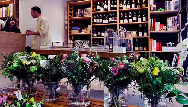 La Fábrica, en el Barrio de las Letras, es galería de arte, tienda y restaurante.