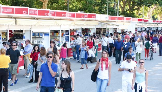 Hasta el 15 de junio la Feria del Libro de Madrid anima el parque del Retiro. Es la gran fiesta de la literatura.