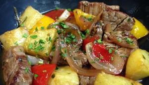 En Casa Alberto la comida es casera y sabrosa. Como ejemplo, este salteado de solomillo de ternera.