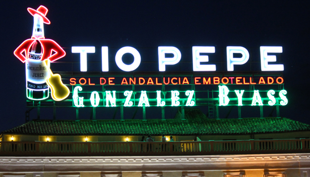 The emblematic Tio Pepe sign has returned to Puerta del Sol
