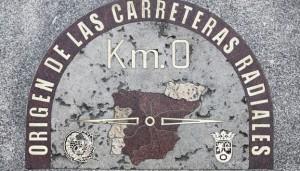 La placa del Kilómetro Cero de las carreteras radiales de España está en la Puerta del Sol (©José Barea, MD).