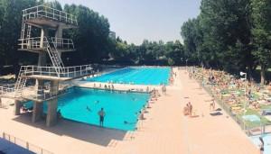 La piscina de la Universidad Complutense es todo un oasis en medio de la ciudad.