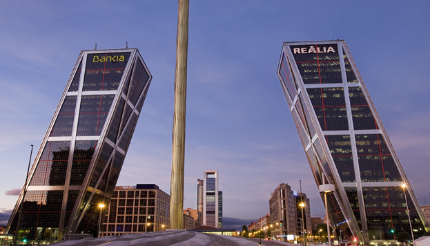 You must get a photo of the leaning towers in Plaza Castilla.