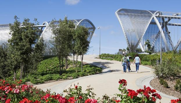 Madrid Río es una de esas maravillosas zonas verdes a solo unos pasos de La Latina.