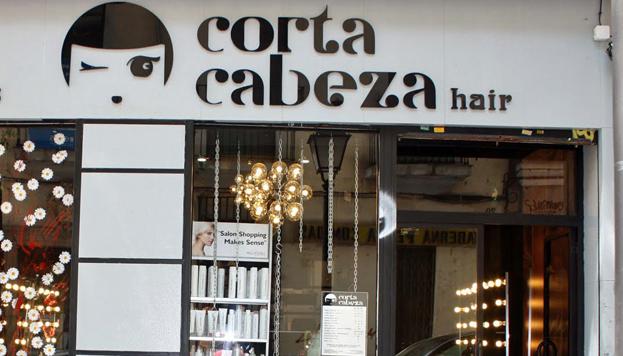 Corta Cabeza, con tres locales en Madrid, se ha convertido ya en una peluquería de culto.