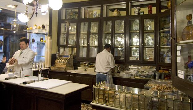 En la Antigua Pastelería del Pozo utilizan bizcochos de soletilla en vez de pan para hacer las torrijas.