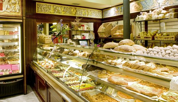 El secreto de las torrijas de El Horno de San Onofre está en el pan. En La Santiaguesa las hacen de chocolate.