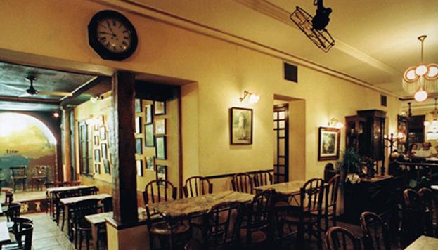 Todo en El Despertar es de época. Un café con encanto, que es puro jazz.