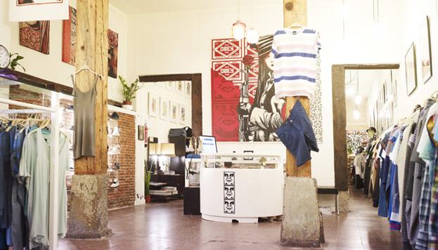 En Monkey Garden es posible encontrar desde ropa de comercio justo hasta marcas jóvenes y transgresoras.