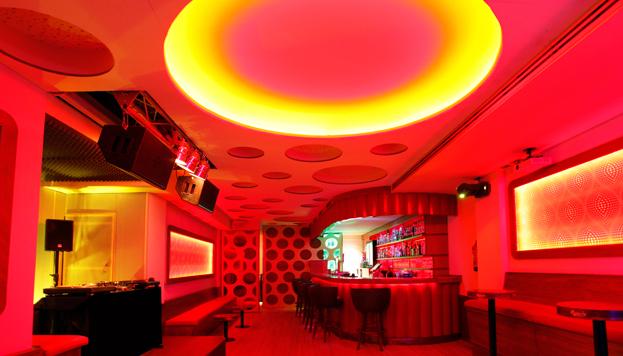 A Rubén Pozo le gusta la sala Siroco, pura energía rock en directo donde se siente como en casa.