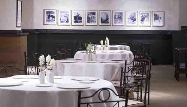 Esta es la Sala Alcalá. Para aficionados a los toros y al buen comer.