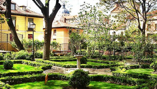 Jardín del Príncipe de Anglona, en la plaza de la Paja.
