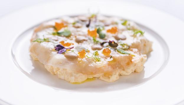 La ensaladilla rusa de cigalas es uno de los platos más originales de Tatel. ¡Tienes que probarla!