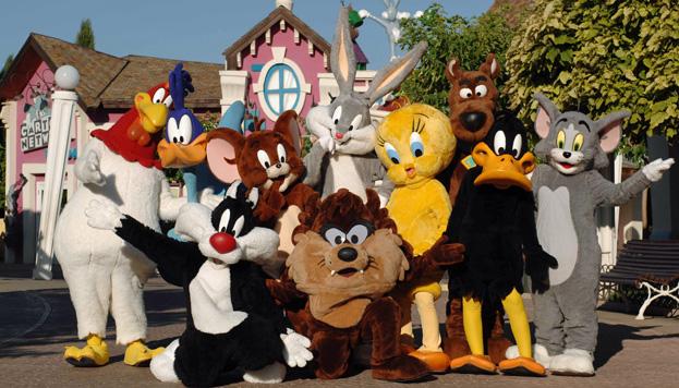 El pato Lucas, Silvestre, Piolín, Bugs Bunny, el Correcaminos... Todos están en el Parque Warner Madrid.