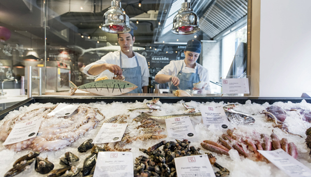 El Chiringuito del Señor Martín es de los dueños de la pescadería del mismo nombre del Mercado de San Miguel.