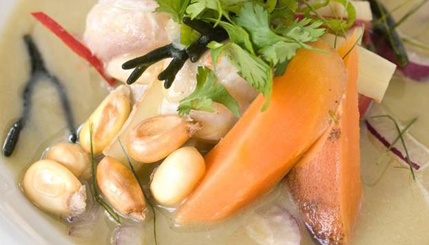La cocina chifa está de moda en Madrid. Platos como este ceviche algueado son toda una delicia