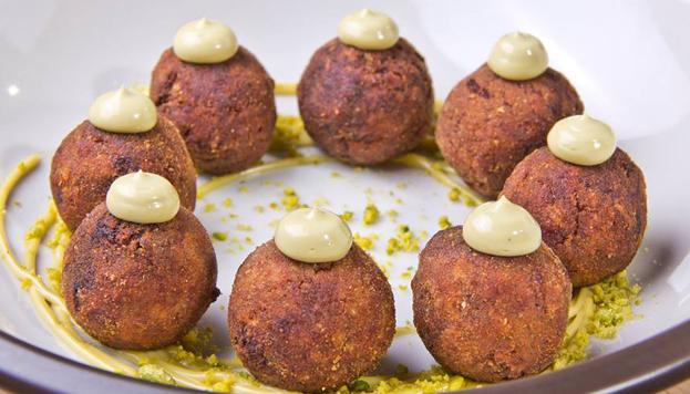 Este plato os va a encantar: se llama Las Canicas del Chef y lo puedes probar en La Canica.