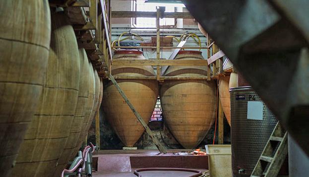 Colmenar de Oreja es la primera Ciudad del Vino de Madrid. En tinajas como estas se fermentaba y guardaba el vino.