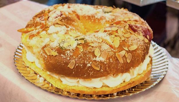 El Horno de San Onofre prepara roscones clásicos como este, pero también los hace con trufa o cabello de ángel.