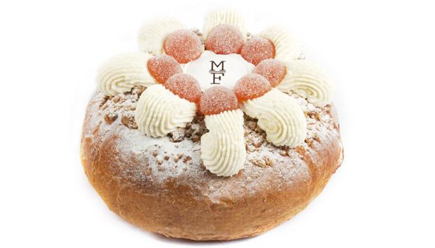 Aunque parece muy moderno, este es el roscón clásico de Mamá Framboise. Exquisito.