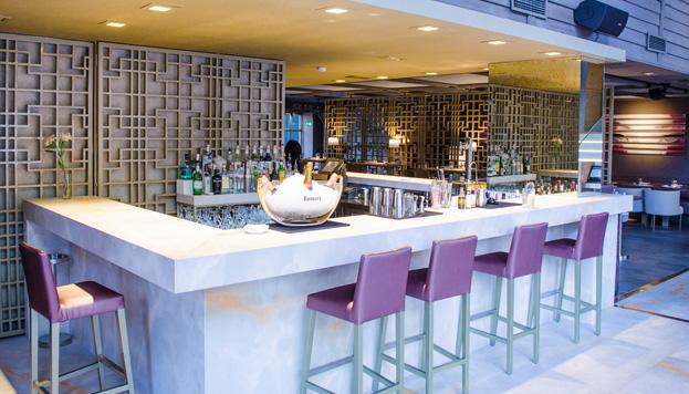 Café Saigón es un clásico de la cocina asiática en Madrid. Ahora estrena una barra para tapear.