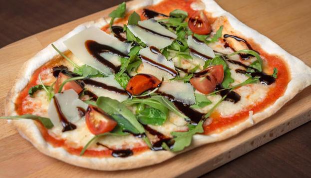 No hay que perderse la pizza Tartufo y la de huevos de codorniz de la Trattoria Manzonni.
