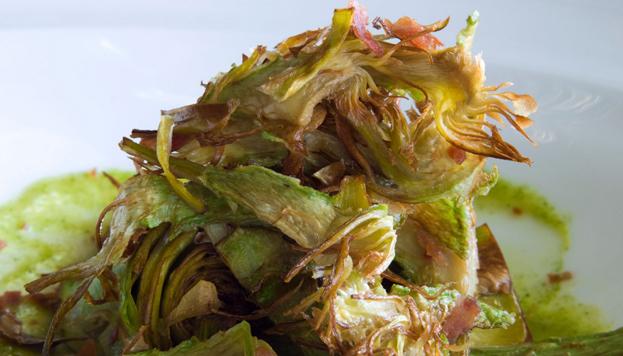 ¡Qué pena que se acabe el plato! Las alcachofas de Villoldo son muy tiernas y crujientes.