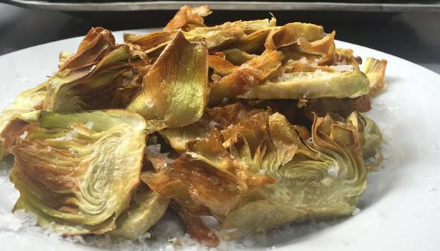 Toda una tentación. Así son los corazones fritos de alcachofas que sirven en Ponzano 12.