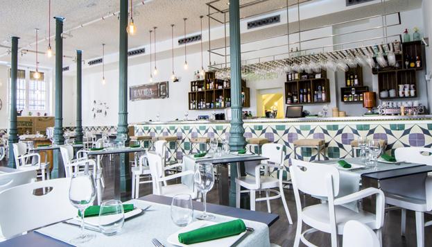 En pleno barrio de Chamberí, Bacira es uno de los restaurantes de moda en Madrid. Excelente.