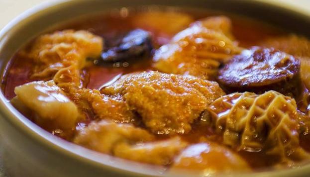 No podían faltar los callos a la madrileña en el menú de El Pitaco.