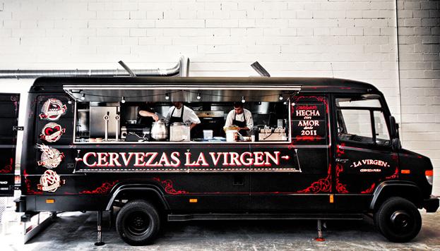 Esta es la divertida food truck de Cervezas La Virgen que se instala una vez al mes en MadrEat.