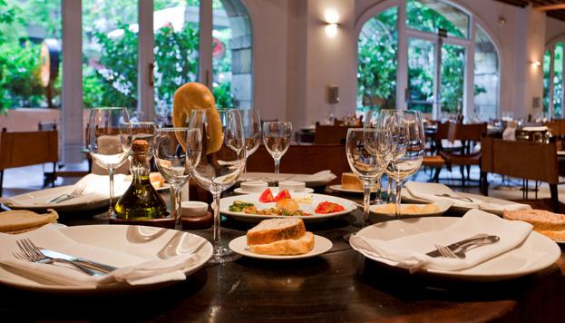 Kobe de mar, kobe de tierra es el menú que preparan en Rubaiyat, que este año celebra su décimo aniversario.