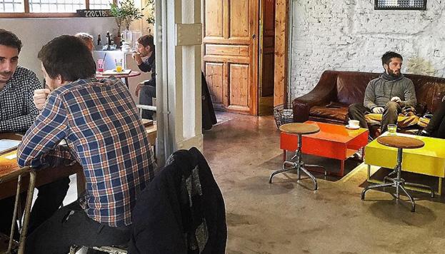 Monkee Koffee es uno de los actuales templos del café en Madrid. Un sitio donde se está muy a gusto.
