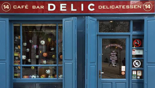 Delic es un local encantador en el que tendrás que tomar grandes decisiones. La primera: ¿café o té?