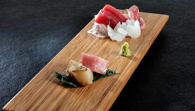 ¡La cocina japonesa está de moda en Madrid! Este sashimi es de Izariya.