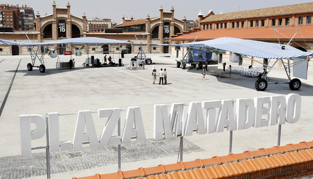 Muy cultural es también La Plaza de Matadero Madrid, siempre muy animada.