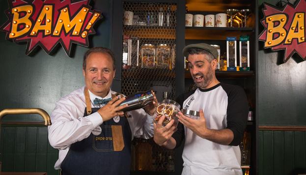 Pepe Orts y Diego Cabrera son los artífices de la nueva coctelería de moda, Salmón Gurú.